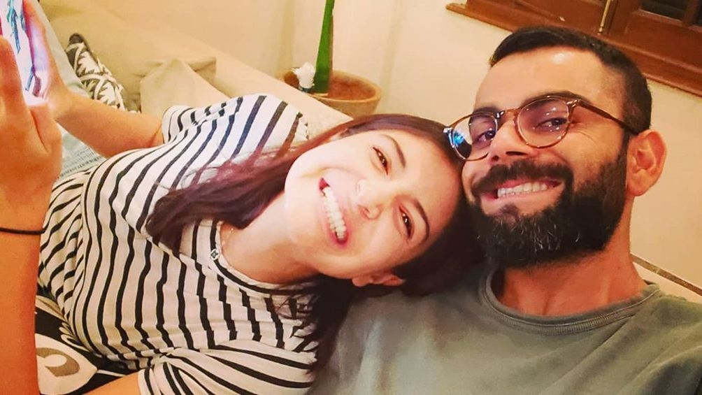 Anushka Calls Virat For Dinner, Interrupts His Chat With KP
