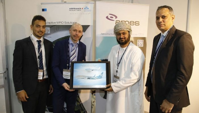 The award was received by Oman Air's Executive Vice President Engineering and Maintenance, Eng. Ali Redha Mohammed Al Lawatiya (second from right).