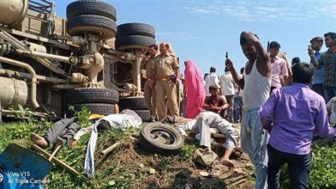 Road Accident In Shahjahanpur