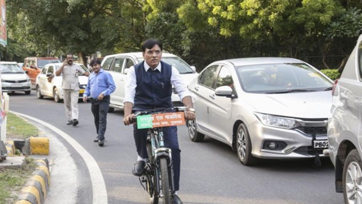 Mansukhlal Mandaviya goes parliament by bicycle