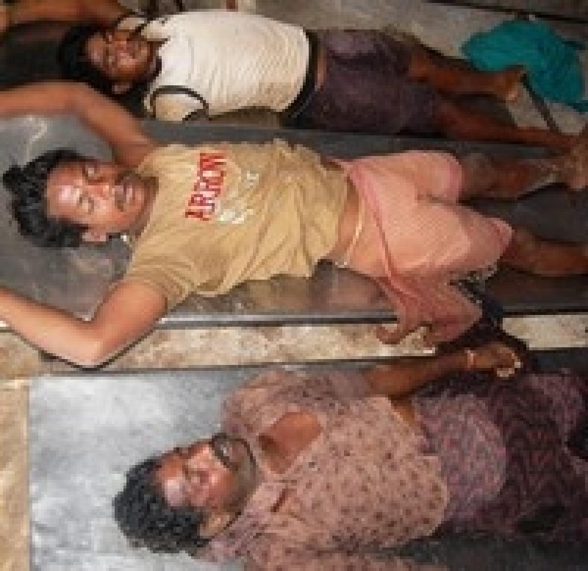 திருவள்ளூரில் விஷவாயு தாக்கி 3 தொழிலாளர்கள் பலி (படங்கள்)
