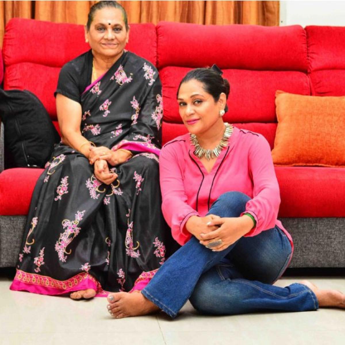 தைரியம் பழகிக்கோ! - மகள் உமா ரியாஸ்கான் - அம்மா கமலா காமேஷ்