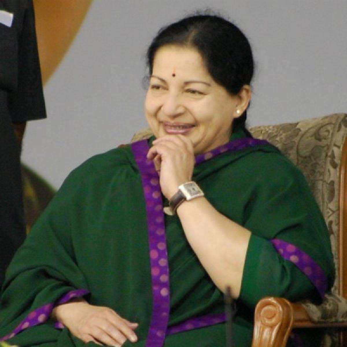 இவர்கள் மனதில் இப்படித்தான் இடம்பிடித்திருக்கிறார் ஜெயலலிதா! #Jayalalithaa