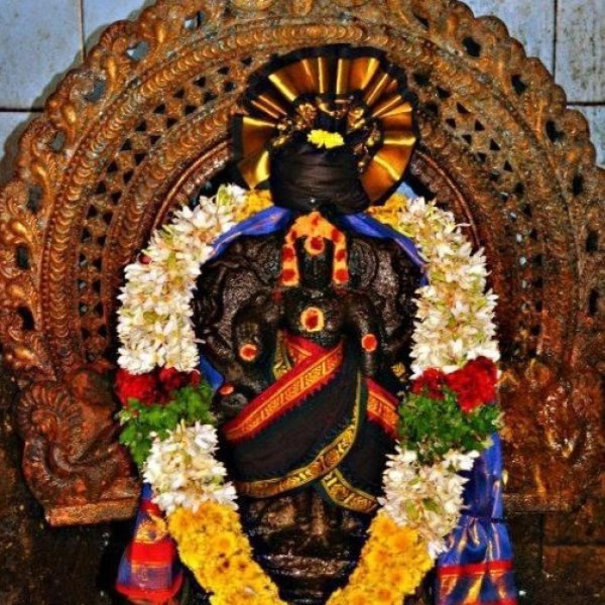500 ஆண்டுகளுக்குப் பிறகு ஆடுமேய்க்கும் சிறுவர்களால் கண்டுபிடிக்கப்பட்ட யந்திர சனீஸ்வரர் கோயில்!