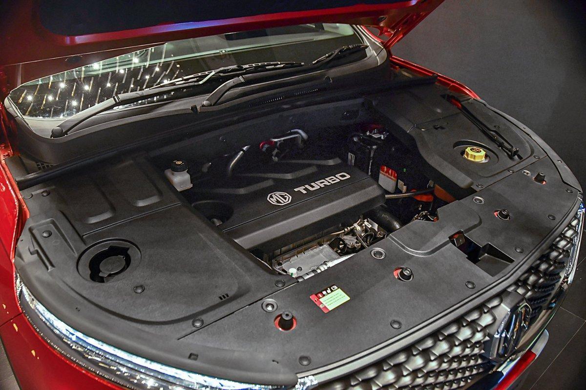 இந்தியாவின் முதல் கனெக்டட் கார் MG ஹெக்டரில் வேறென்ன ஸ்பெஷல்?!