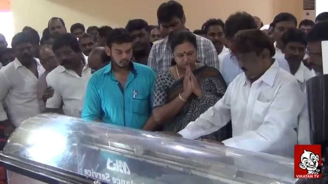 Vijayakanth with Abu at Rowther's demise