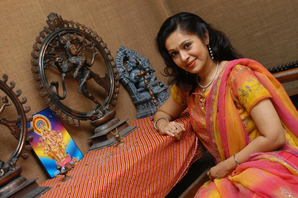 நடிகை ரூபிணி