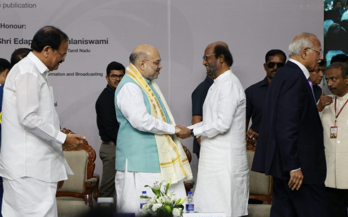"""``அமித் ஷா யாரென்று இப்போது தெரிந்திருக்கும்!"""" - காஷ்மீர் விவகாரத்தில் ரஜினி"""