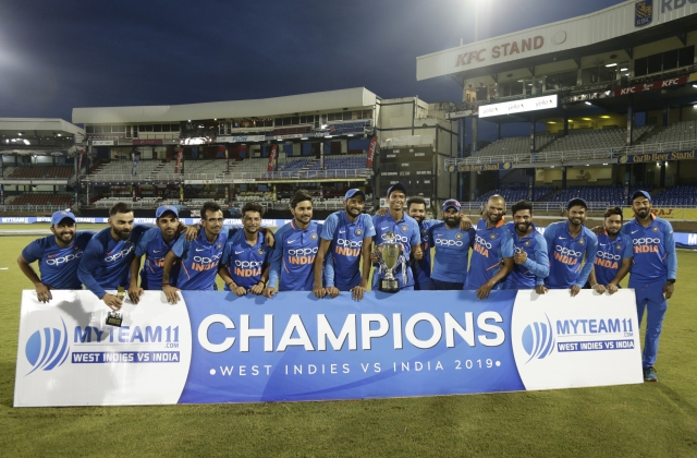 Indian Team with trophy
