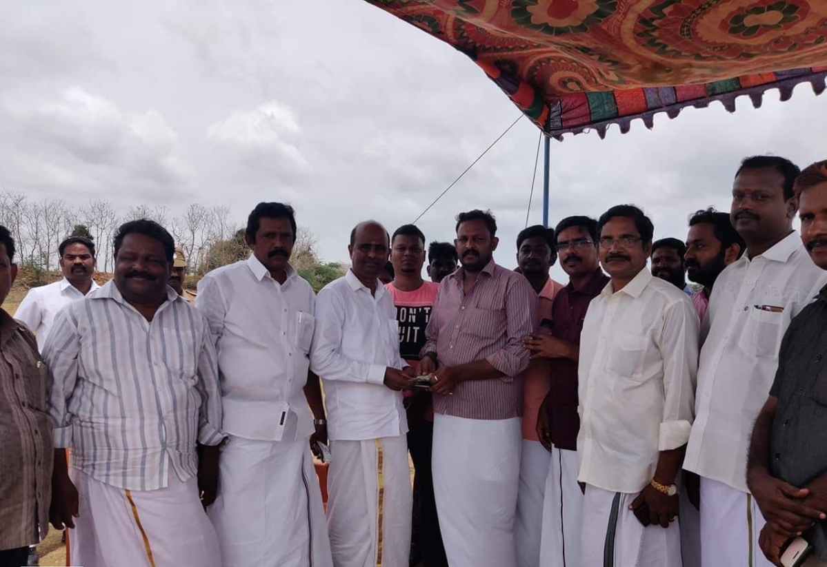 Collector Anbu selvan helps the youths