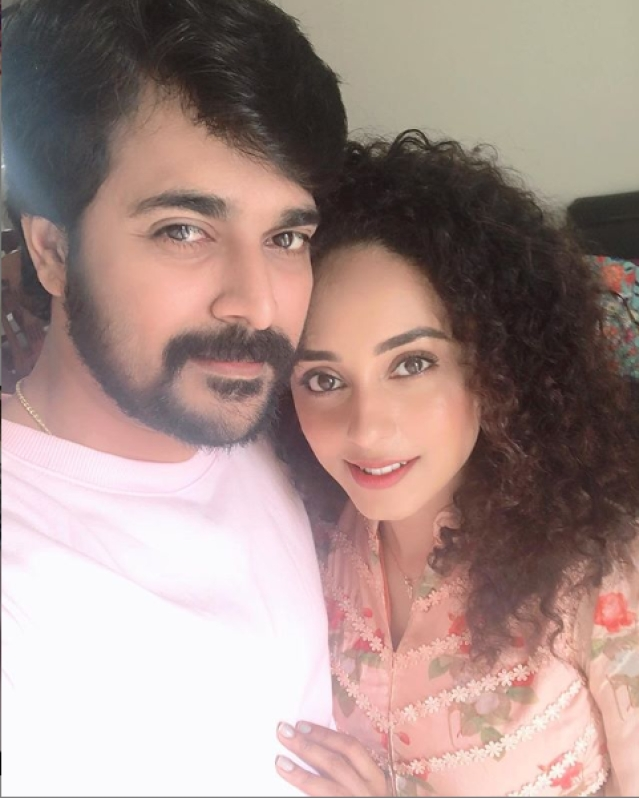 Pearle Maaney and Srinish Aravind