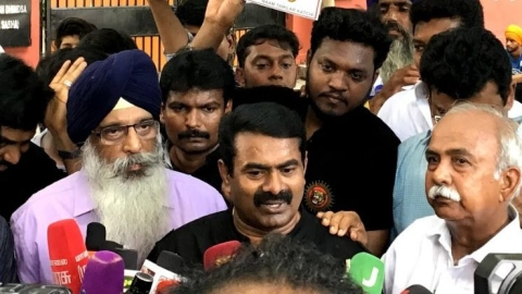 Seeman in Delhi protest