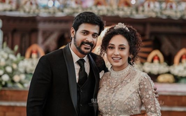 Srinish Pearle Christian wedding snap