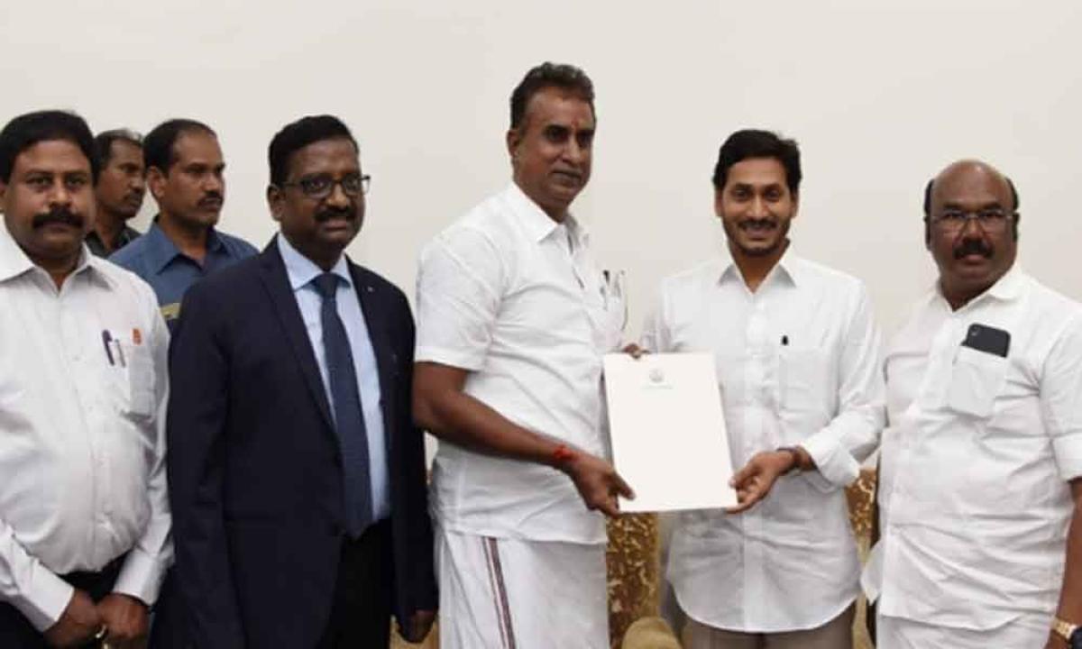 Tamil Nadu Ministers with Jaganmohan Reddy