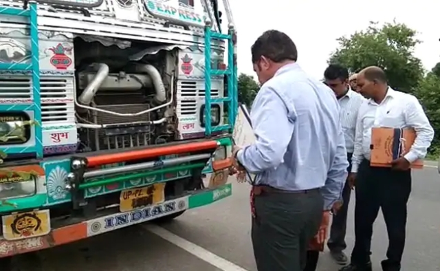 Unnao victim accident - truck