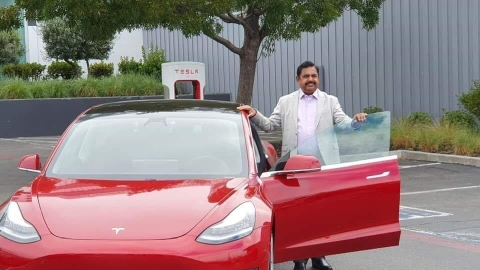Edappadi Palaniswami with Tesla Car