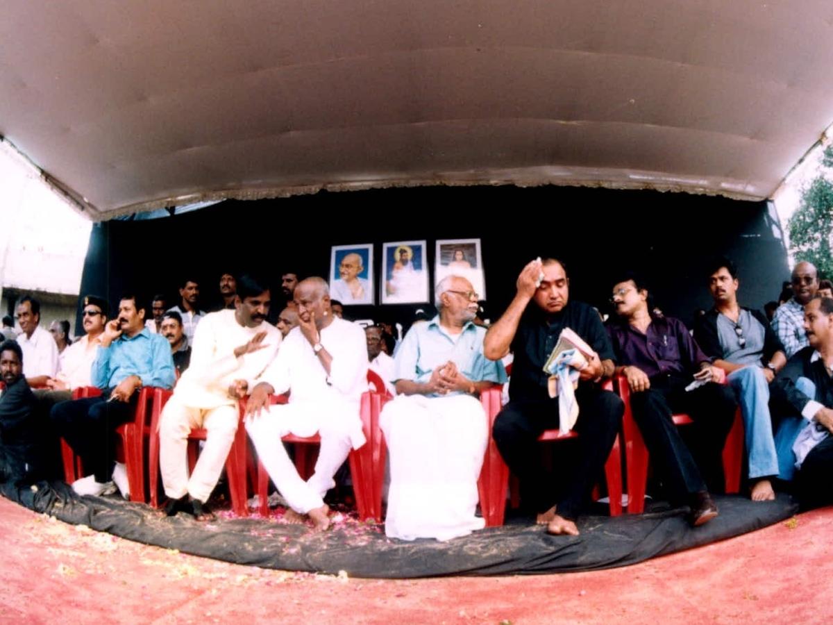 ரஜினி சொல்லி 17 வருஷம் ஆச்சு... நதிகள் இணைப்பு 1 கோடி என்னாச்சு? - பாகம் 2