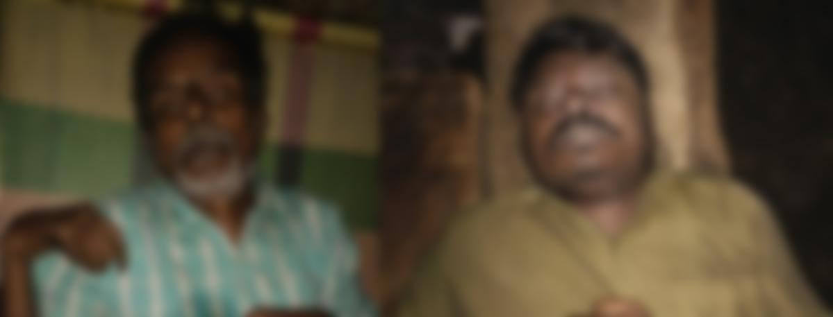 பிணமாக   சீனிவாசன் மற்றும் செந்தில்குமார்