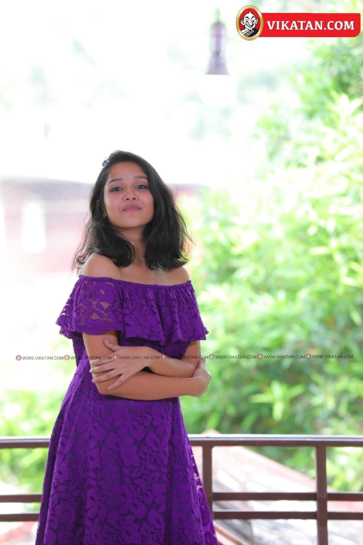 அனிகா சுரேந்திரன்