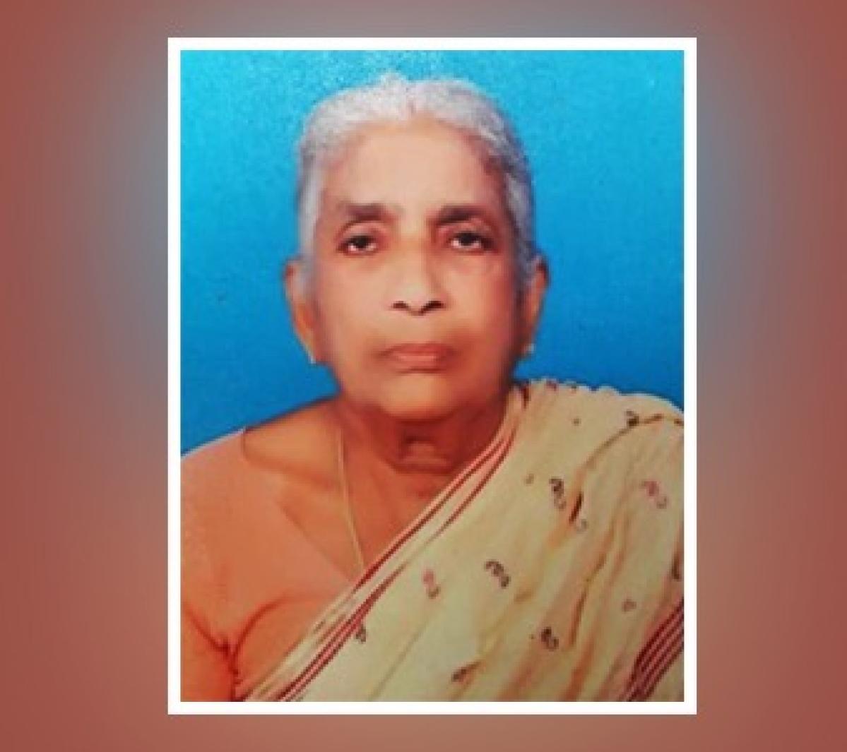 கொலை செய்யப்பட்ட மூதாட்டி சரோஜா