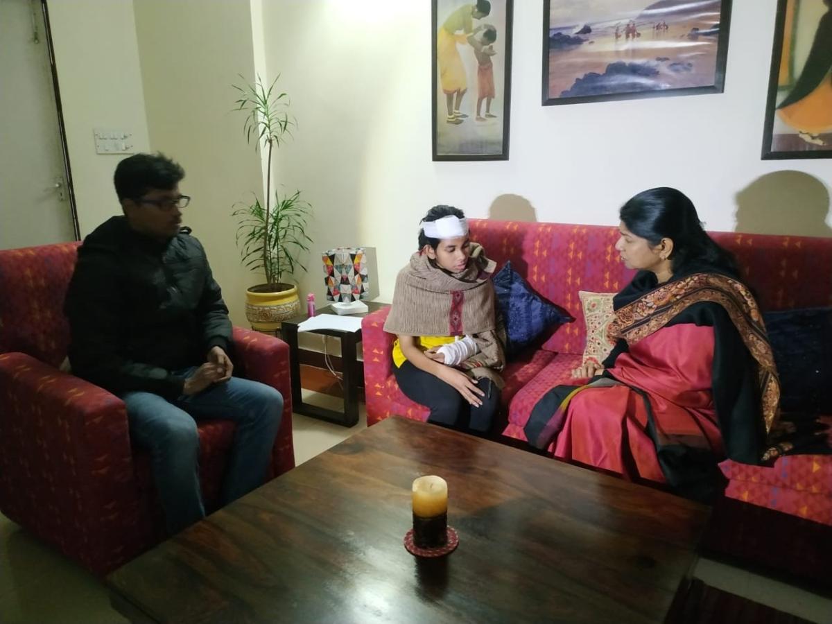 கனிமொழி மற்றும் ஆய்ஷி கோஷ்