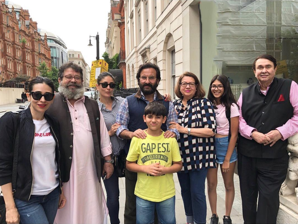 Kareena, Karisma, Saif & Taimur Spend Some Family Time in London