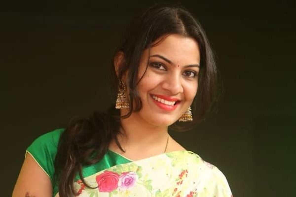Will Geetha Madhuri Win Audience Hearts And Emerge Bigg Boss 2 Winner?