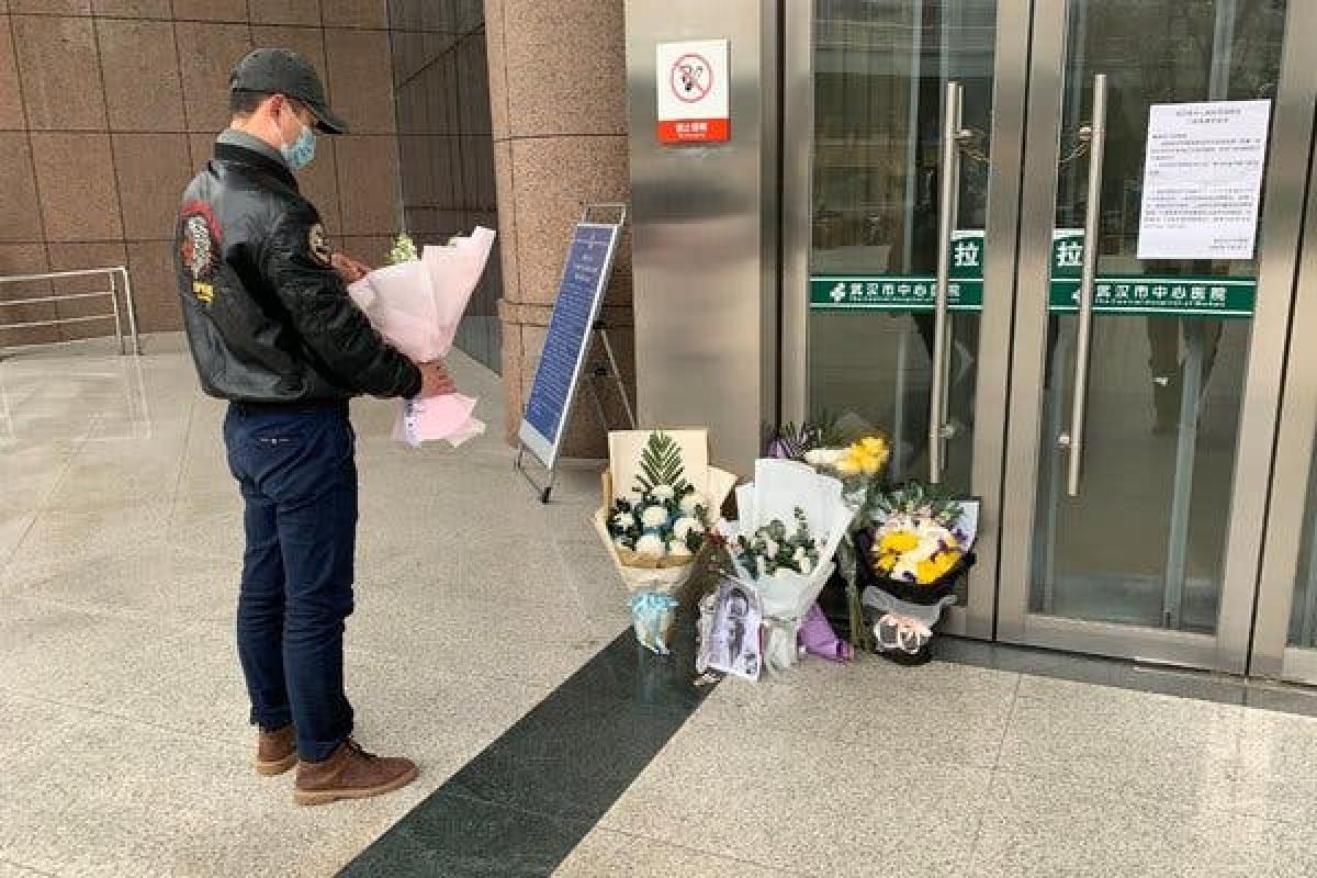 चीन में डॉक्टर की मौत के बाद सरकार ने मांगी परिवार से माफी, ठहराया था दोषी